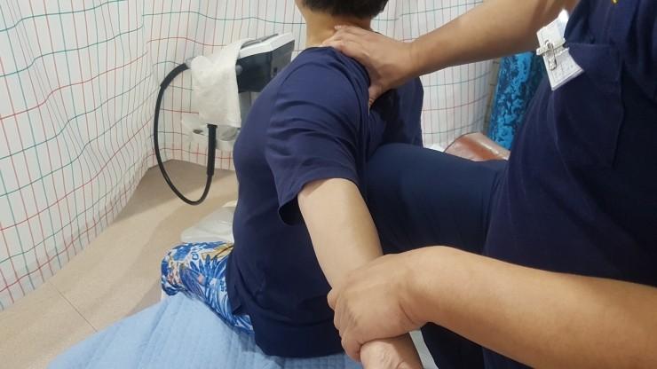 어깨충돌 증후군-어깨쑤심, 어깨통증